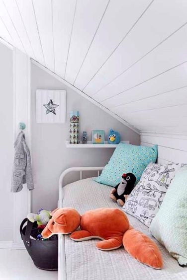 camera copil la mansarda
